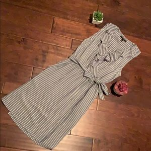 Banana Republic striped wrap dress sz 0 💙🛥